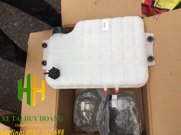 Bình nước phụ xe Hyundai Trago Xcient