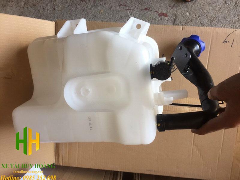 Bình nước rửa kính Hyundai Trago Xcient