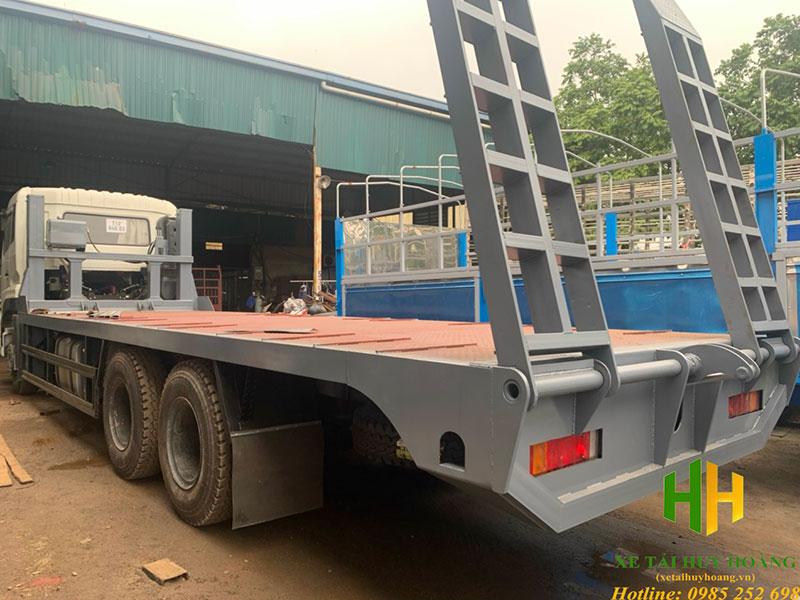 Xe nâng đầu chở máy công trình Dongfeng 3 chân