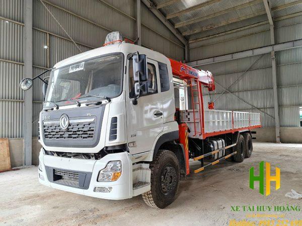 Xe tải Dongfeng 3 chân gắn cẩu Kanglim 8 tấn