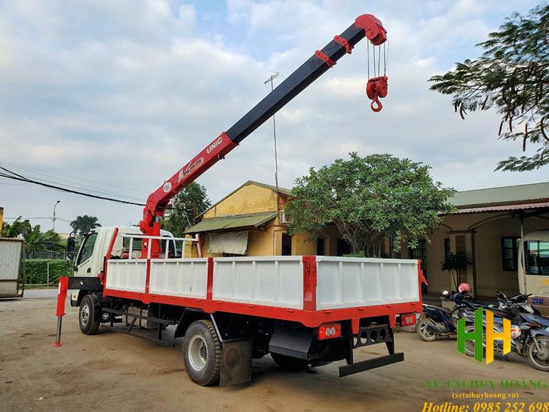 Xe tải thaco ollin 120 gắn cẩu unic 3 tấn