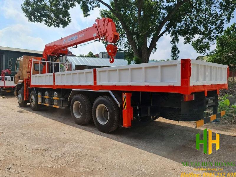 Chenglong 4 chân gắn cẩu 12 tấn Kanglim