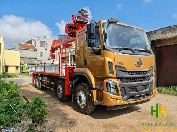 Xe tải Chenglong 4 chân gắn cẩu Kanglim 12 tấn